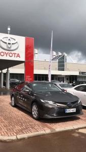 Uusi Camry Hybrid koeajettavissa Toyota Kaivokselassa! Tule ja ihaile! Toyota Kaivoksela jälleen tänään lauantaina auki klo 16:00 saakka.