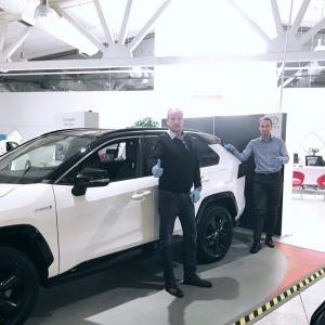 @toyotakaivoksela: Tervetuloa turvallisille autokaupoille Toyota Kaivokselaan! 🤍  Pidetään turvavälit kunnossa ja hanskat kädessä.  #toyotakaivoksela
