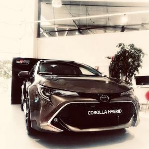 @toyotakaivoksela: Uudestisyntynyt Toyota Corolla Hybrid | Tyylikäs, tehokas ja hauska ajettava.  www.ttnordic.fi  #toyota #toyotasuomi #toyotacorolla #toyotacorollahybrid #toyotacorolla2019 #hybridcar #hybrid #newcorolla #newcar #toyotahybrid #autoliike #toyotakaivoksela