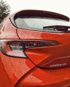 @toyotakaivoksela: Toyota Corolla Hatchback 🧡  Corolla perheen hauskin ajettava. Toyotan TNGA-pohjalevylle rakentuvan auton matala painopiste, jäykkä korirakenne ja uusi tehokas hybridivoimalinja alleviivaavat ajamisen nautintoa.  Turvallisuudesta huolehtii Toyota Safety Sense- turvavarustelu uusi sukupolvi.  #toyotasuomi#toyota#toyotacorolla#corolla#corollahatchback#corollahybrid#hybridcar#hybridiauto#autumn#toyotakaivoksela#ttnordic