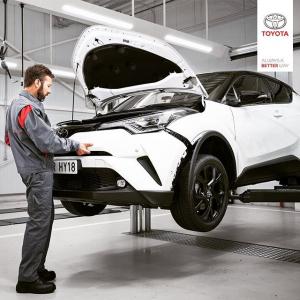 @toyotakaivoksela: Sattuiko vahinko?  Jokaiselle autoilijalle voi tulla eteen tilanne, että auto vaatii peltikorjausta, maalausta tai tuulilasin vaihtoa.  Koulutetut Toyota-ammattilaisemme Toyota Kaivokselassa ja TsushoAUTOssa auttavat sinua vahinkokäsittelyssä ja korjaavat autosi ammattitaidolla. Teemme vauriotarkastukset kaikille vakuutusyhtiöille.  https://www.ttnordic.fi/huolto/korjaus-ja-maalaus.html  #toyota #toyotaservice #toyotahuolto #korikorjaamo #carrepair #huolto #carservice #tsushoauto #toyotakaivoksela